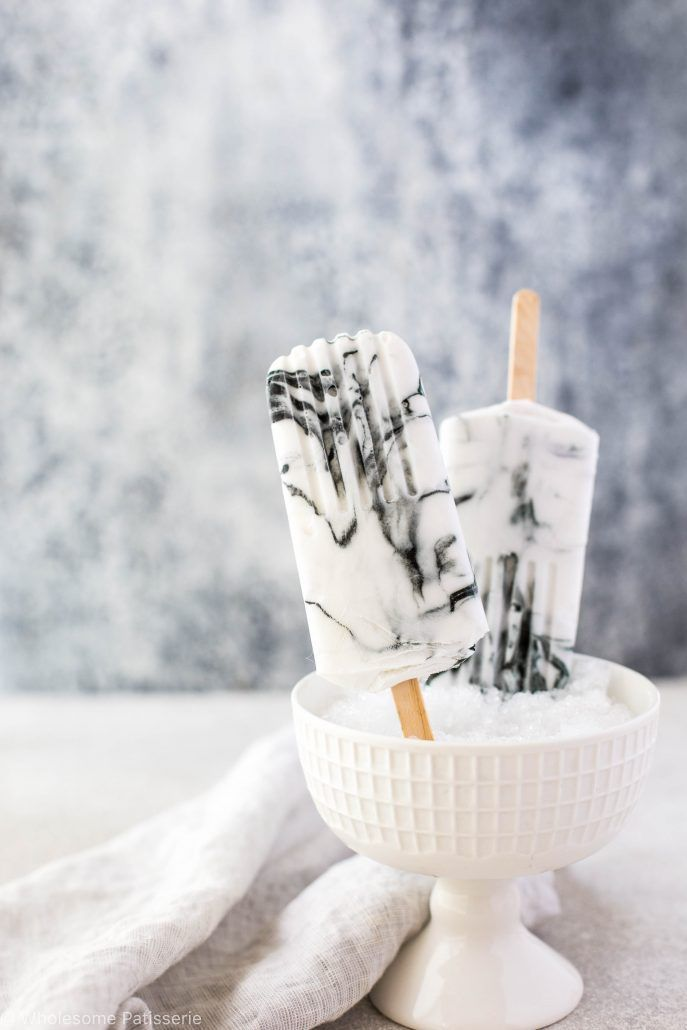 Marble Yoghurt Popsicles! We are moving the marble trend over to food in the form of popsicles and it's amazing! Are you obsessed too?!