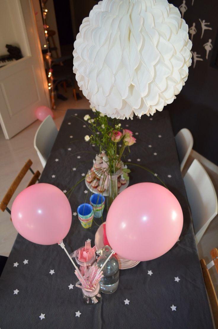 Table étoilée pour goûter de danseuses