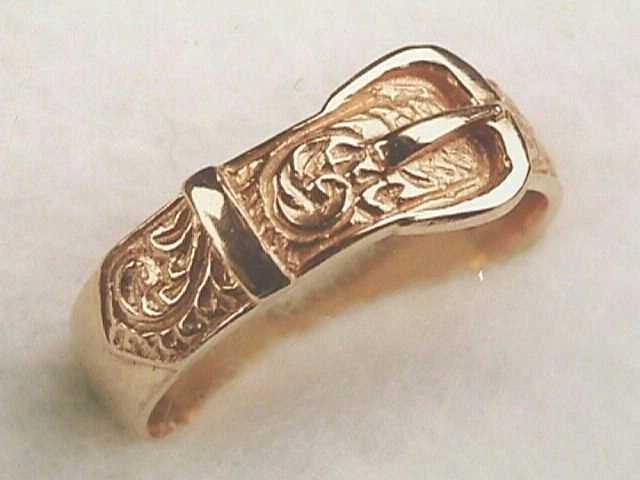 Victorian Antique Design 18k Yellow Gold Buckle Band Ring