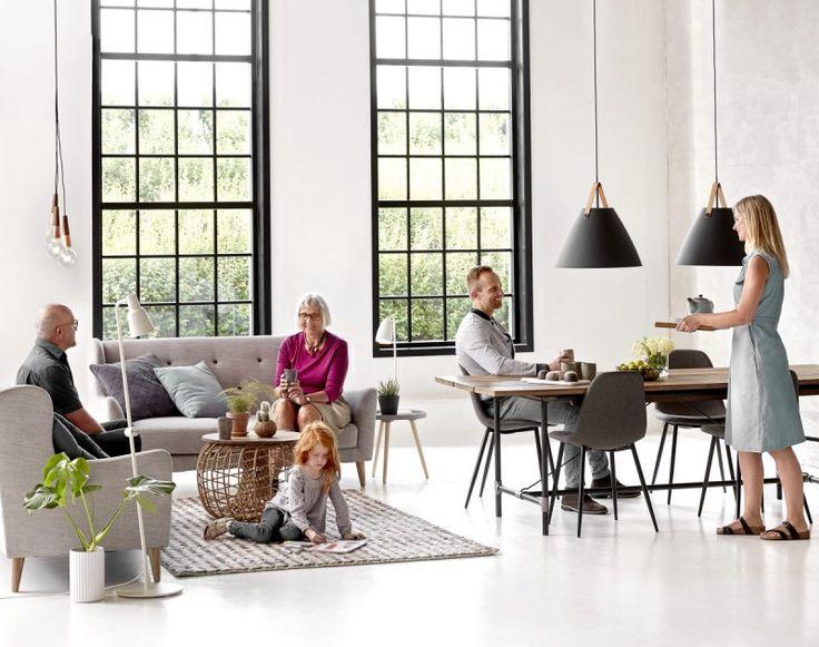 design for the people Strap 48 Pendelleuchte 48cm E27, schwarz matt sehr dekorativ im Loft Style mit zwei Leder Bänder, designer Hängelampe