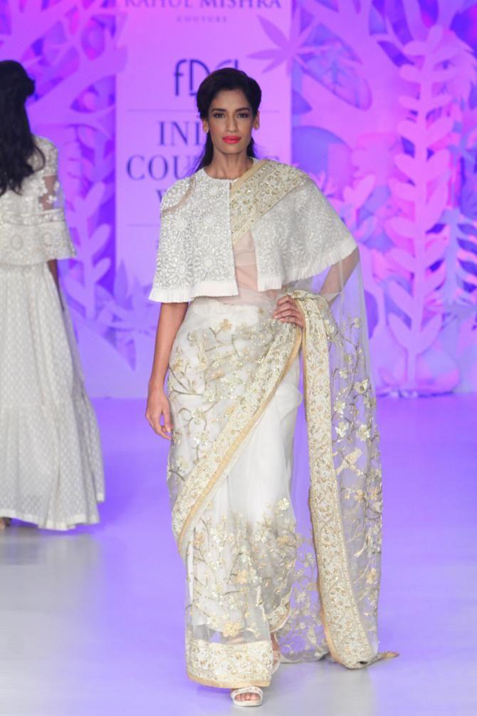 Image Courtesy: Rahul Mishra's India Couture Week 2017