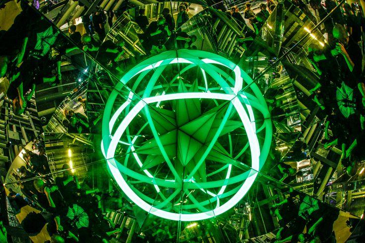Jeden z licznych kalejdoskopów na wystawie / One of the many kaleidoscopes on display