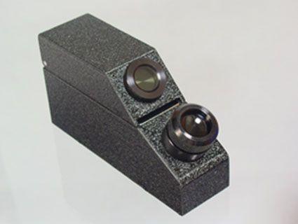 Anda bisa menggunakan Gemstone Refractometer yang akan menciptakan kontak optik antara kaca dan batu permata serta dapat mengukur atau menguji Indeks bias dari segi batu, transparansi atau opacity, keindahannya, daya tahan dan kelangkaan. Spesifikasi dan Feature bisa anda lihat disini : http://goo.gl/Dgpc5W