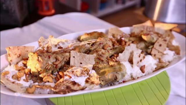 فتة الدجاج بالدقة شهية ومميز علي مائدتك 👌 #منال_العالم #مطبخ_منال_العالم  #اكلات_عربية #وصفات#manalalalem #Manal_Alalem_Queen_ArabianKitchen #chef_celebrity #meal #meat #lunch #lunchideas #amazing #recipelinkinbio #recipes #chicken #rice #instagood#instagoodmyphoto #dinnerideas#orientalrecipe #recipeoftheday #homemade #creative #yum #meat #yummy #amazing - #instagood #delicious - #tasty #lunchideas