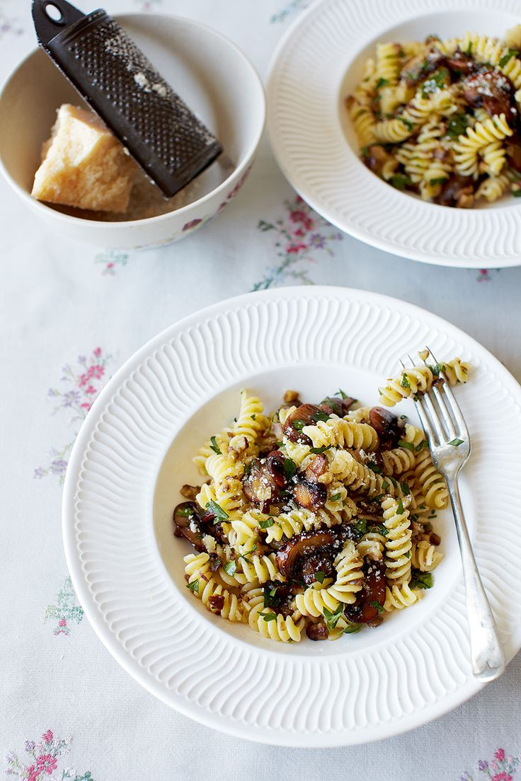 A quick and easy pasta recipe with an autumnal twist – a chestnut, mushroom and parsley pesto.