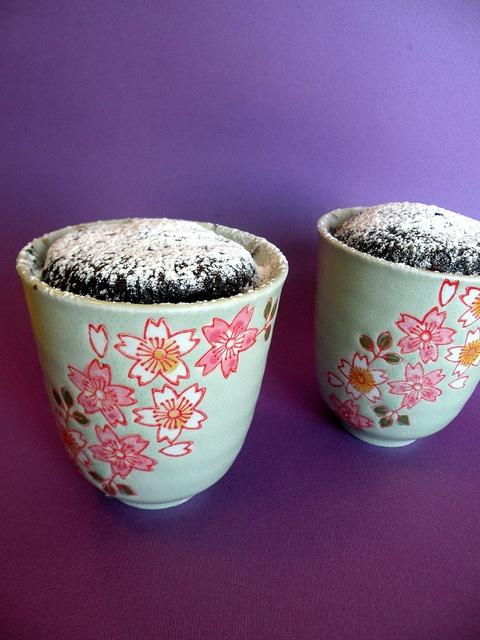 Muffins al cioccolato in tazza by chefpercaso, via Flickr