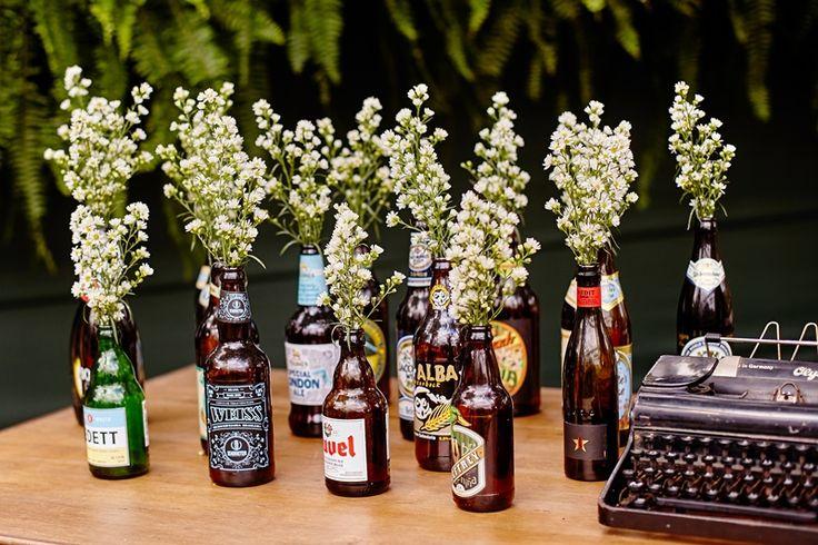 Decoração com garrafas e mosquitinhos - Objetos vintage - Casamento no campo