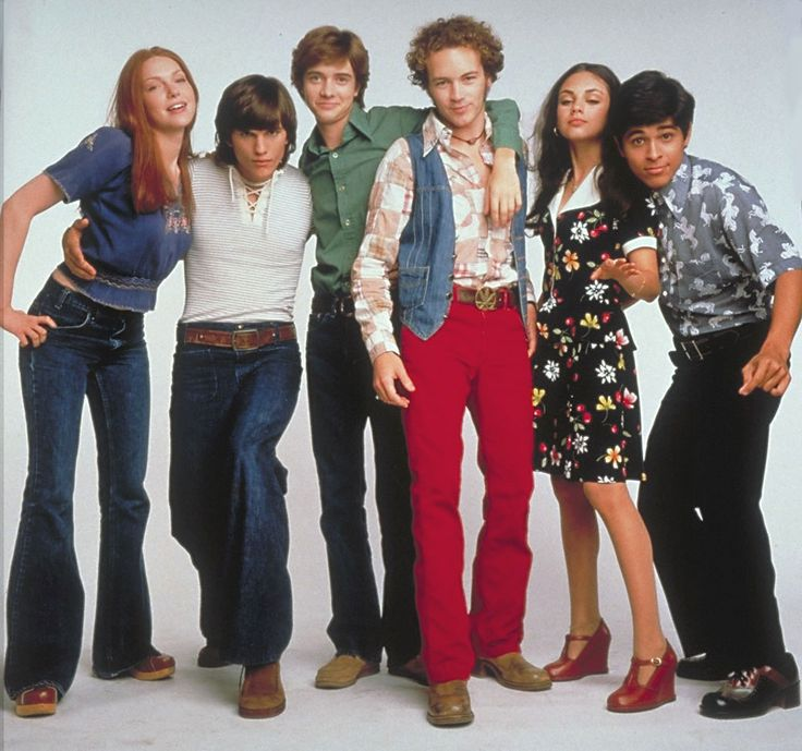 late 90s styling of mid 70s fashion. Ladies and gentlemen, Donna, Kelso, Eric, Hyde, Jacky and Feeeezzzzz! That 70s show