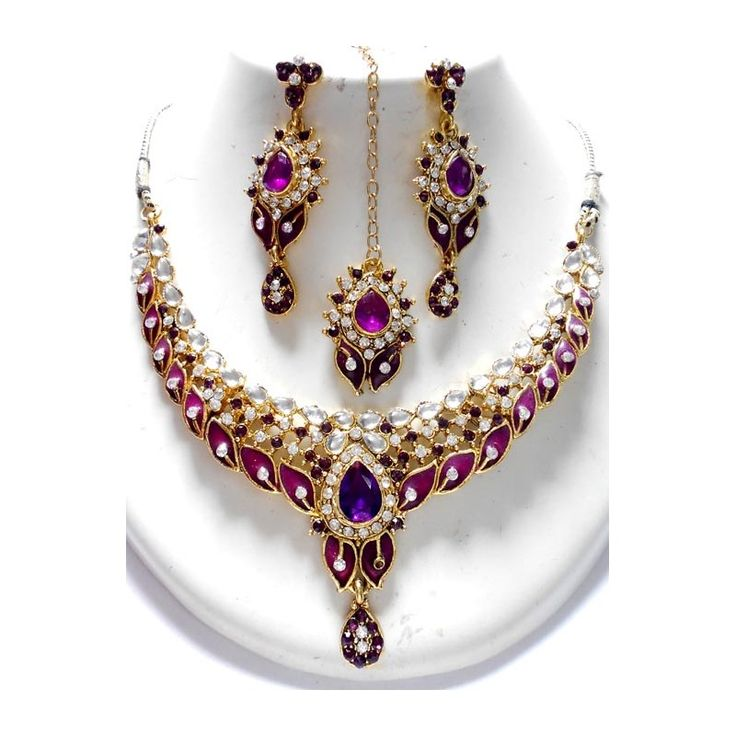 The design you would fell in love with.. An amazing handcrafted Bridal Jewelry Set. Available at http://skyfashionshop.com/indian-bridal-jewelry-set/116-coloured-stone-jewelry-set.html