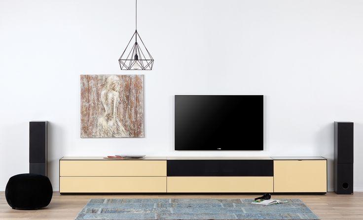 TV-Ünitesi Safran  Siyah kumaş kapak  Center vb  Hoparlör sistemleri için uygundur.