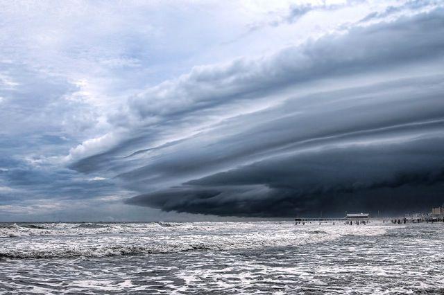 神の怒りの如く激しく荒れ狂う嵐雲 ストームクラウド の写真いろいろ dna 嵐の写真 あらし雲 クールな写真