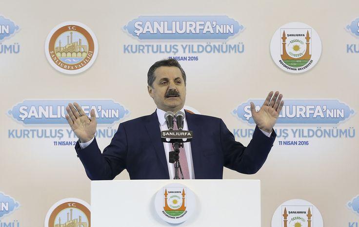 Gıda Tarım ve Hayvancılık Bakanı Faruk Çelik, Başbakan Ahmet Davutoğlu tarafından Şanlıurfa'ya verilen İstiklal Madalyası'nın takdimi için GAP Arena'da düzenlenen törende konuştu. [11.04.2016]