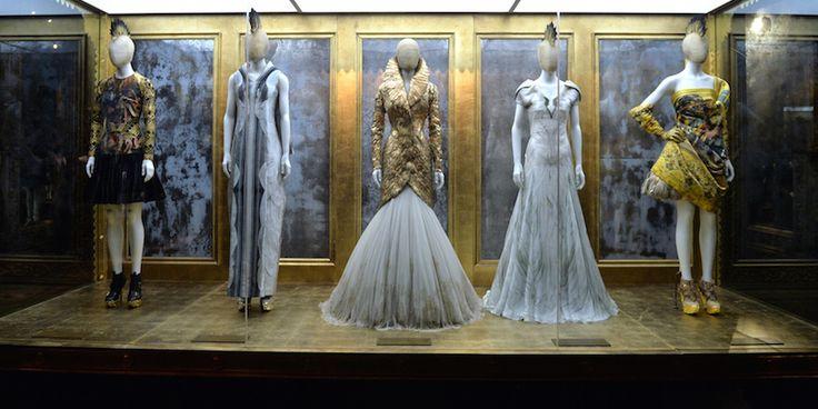La moda delle mostre di moda - Il Post