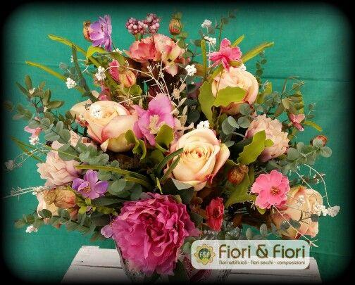 Composizione fiori artificiali peonie e rose in tessuto di ottima qualità