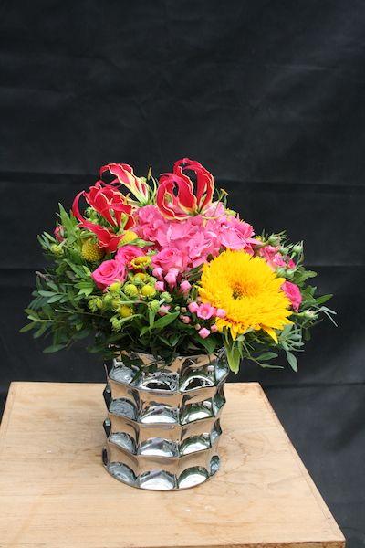 les 25 meilleures id es de la cat gorie bouquets de tournesol sur pinterest mariages. Black Bedroom Furniture Sets. Home Design Ideas