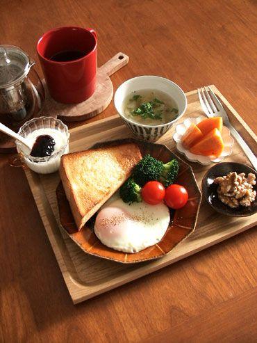 安齋新・厚子さんのうつわです! 十二角の飴色のお皿は、 今一番のお気に入りのうつ...