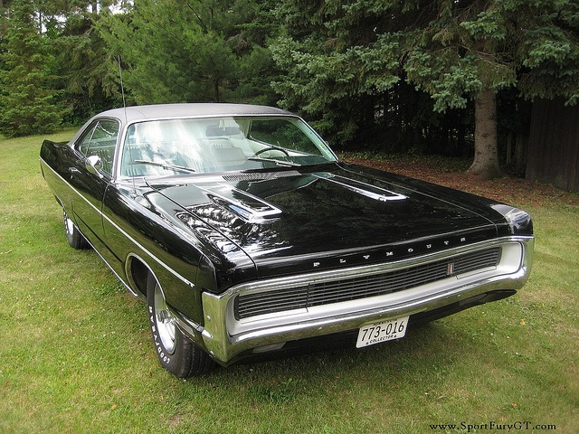 1970 Plymouth Sport Fury GT. Dean had a gold 1970 Grand Fury. Loves this for its concealed headlights!