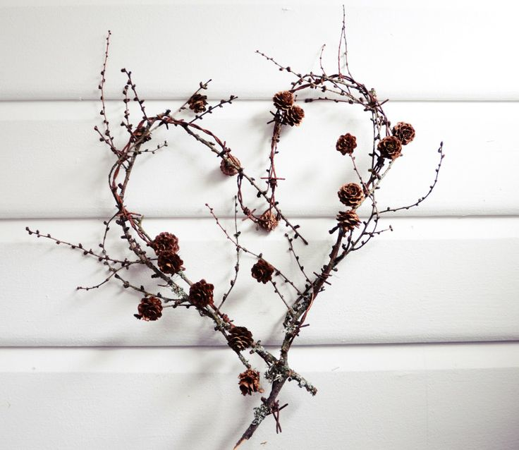 christmasheart: Diy'S Idea, Branches Heart, Heart Wreaths, Vines Wreaths, Trees Branches, Pinecone Wreaths, Valentine Wreaths, Love Heart, Decoration Winter