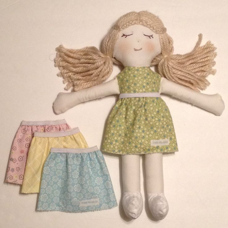 Adorable handmade rag doll tutorial with free pattern to download. So cute!!