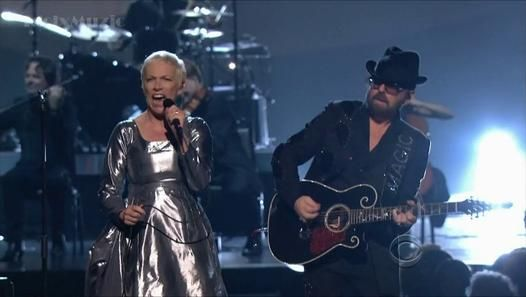 Eurythmics - Fool On The Hill - Grammy Salute (The Beatles) - Video Dailymotion