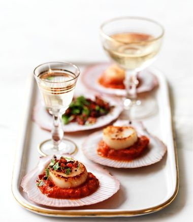 Scallops with Chorizo and Spicy Capsicum Sauce recipe | Food | In Season | MiNDFOOD
