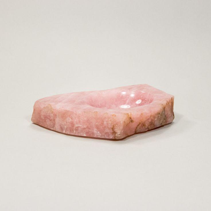 Różowa popielnica z alabastru. #vintage #vintagefinds #vintageshop #forsale #design #midcentury #midcenturymodern #ashtray #marble #pink #decor