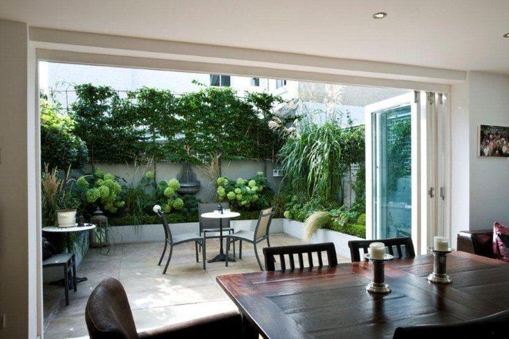 Small Romantic Urban Garden, Clapham Common, London. Designed and Build by Maria…