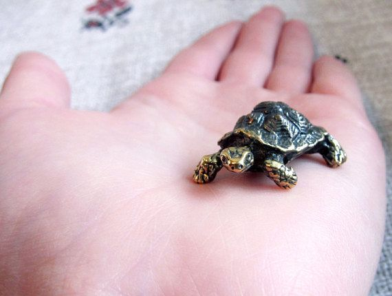 Bronze turtle figurine, cute tortoise figure, collectible turtle figure, tiny turtle miniature, handmade turtle gift , small metal animals