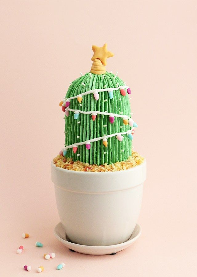 Can't wait to make this festive and fun Christmas cactus cake! How adorable and delicious.