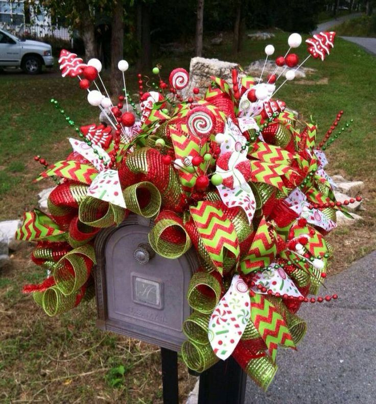 52 Vivacious Summer Porch Decor Ideas: Christmas Mailbox Decorations