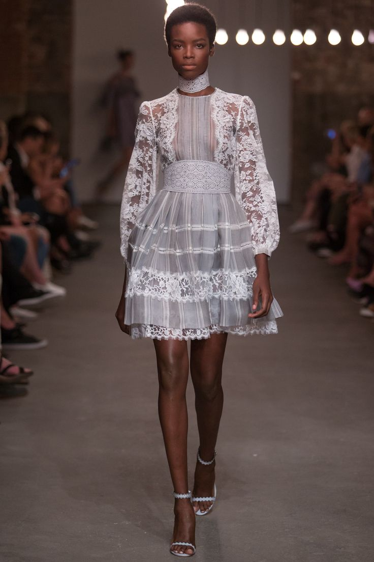 Zimmermann Spring 2016 Ready-to-Wear Collection Photos - Vogue   http://www.vogue.com/fashion-shows/spring-2016-ready-to-wear/zimmermann/slideshow/collection#26