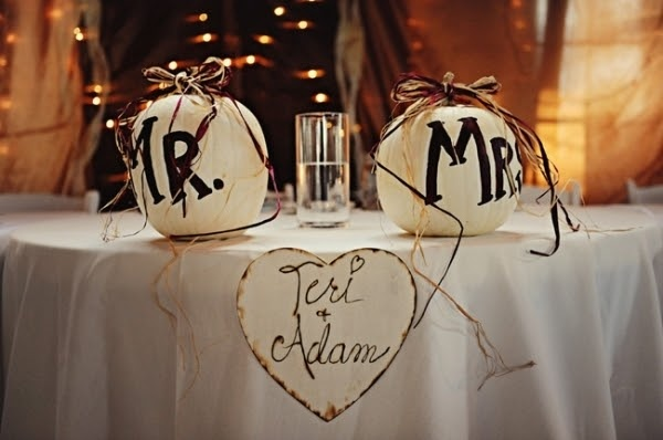 Mr & Mrs!! Cute for head table <3