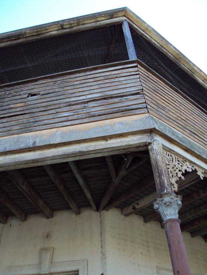 Tattersalls verandah, Haydon St, Murrurundi, oct 2013