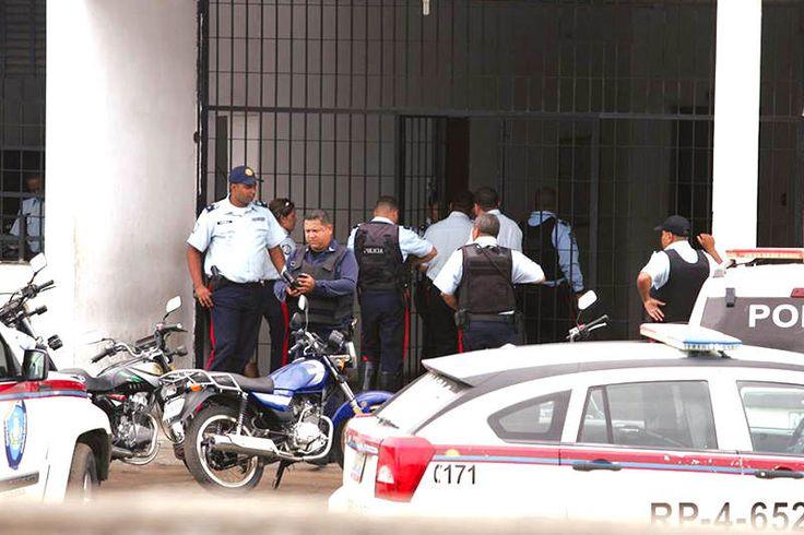 ¡A PLENO DÍA! 3 delincuentes se fugaron de un comando policial en el Zulia: se robaron armas - http://wp.me/p7GFvM-CML