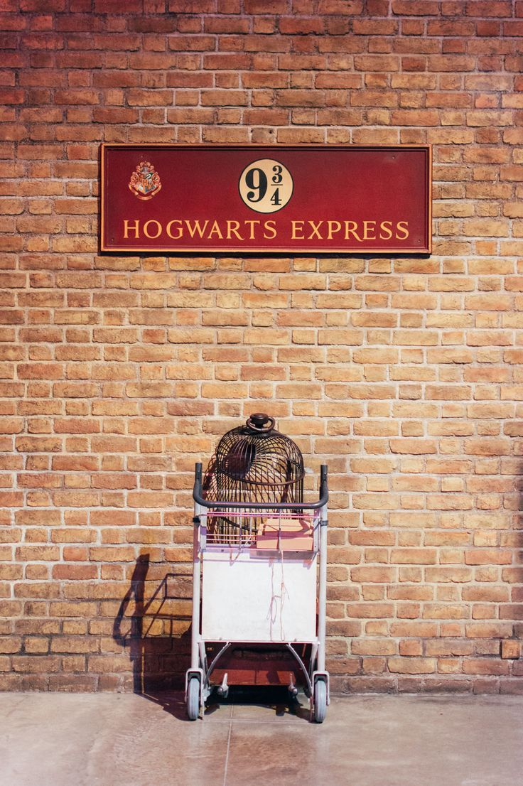 Plataforma 9 3 4 Harry Potter Studios Warner Bros Adeline Butler Bros Harry Platafo Harry Potter Studio Tour Harry Potter Studios Harry Potter Platform