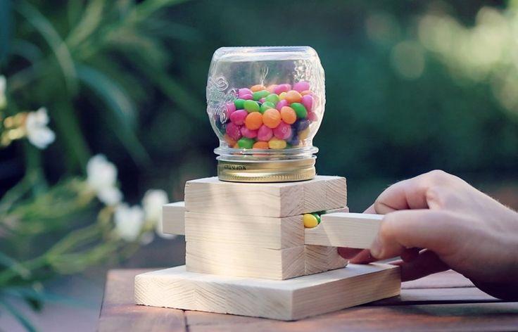Un petit tutoriel qui ne nécessite pas beaucoup d'outils, pour distribuer des Skittles, des M