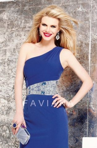 Class royal blue cocktail dress. Perfect for homecoming!