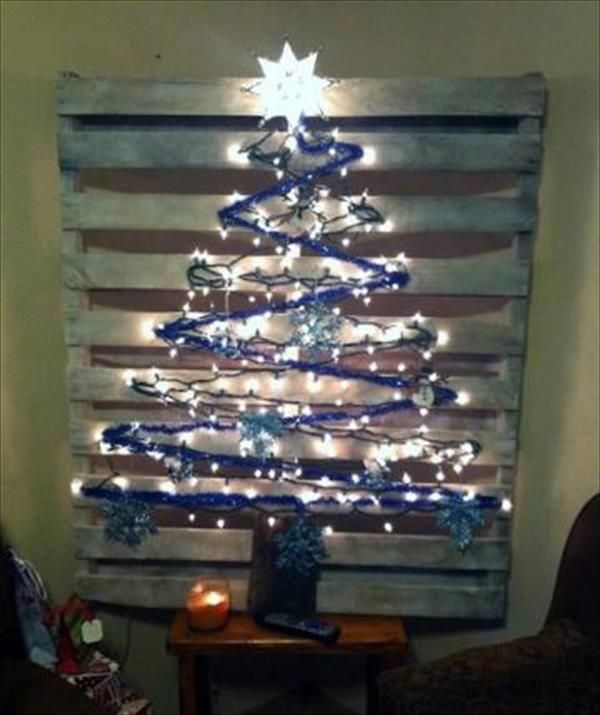 Wonderful Freedom Furniture Christmas Tree Part - 10: DIY Pallet Christmas Tree With Lights Concepts