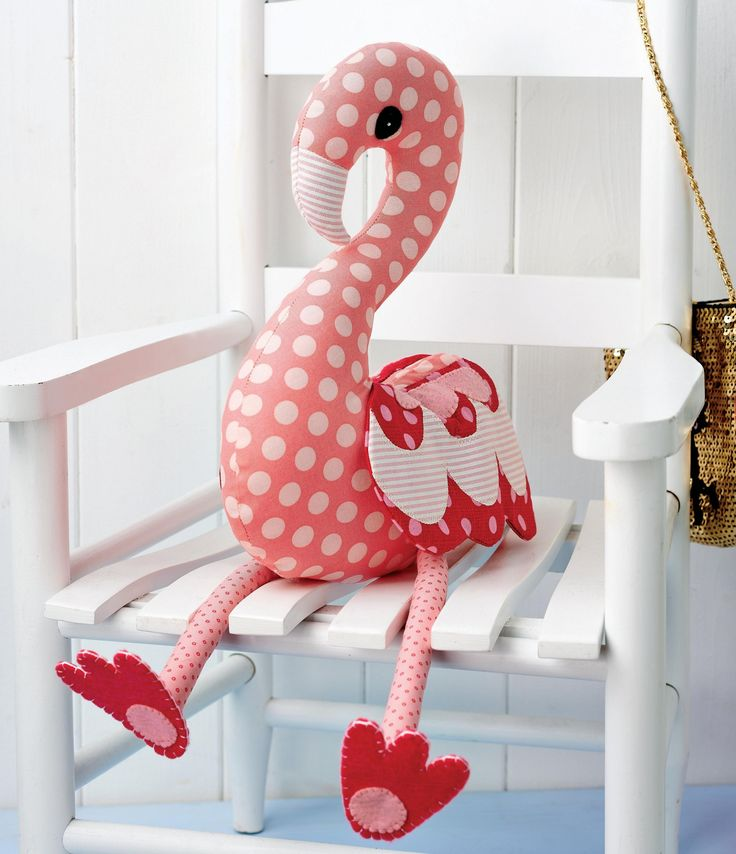 Flossie flamingo Free Pattern *I did this one in blues and greens, looks really pretty. Turned out really cute!