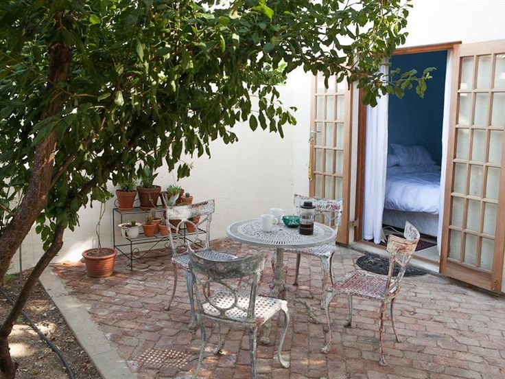 House 22 - House 22 is located in a beautiful small town named Tulbagh in the Winelands of the Western Cape.This accommodation has two modern-styled cottages, each cottage is equipped with free Wi-Fi Internet access, ... #weekendgetaways #tulbagh #breederivervalley #southafrica