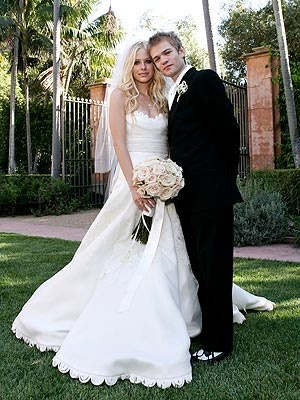 Avril Lavigne's first wedding with Deryck Whibley 2006-2010