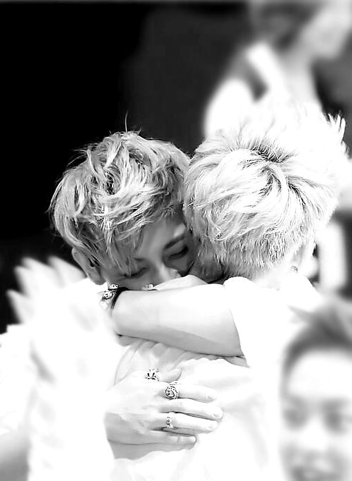 """KRIS & TAO ♡ People stop shipping. Honestly, there something called """"bromamce"""". Why can't two guys be really close friends anymore??? They just automatically get shipped if they make physical contact with ANYBODY!!! I mean no offense. But honestly. Shipping drives me crazy."""