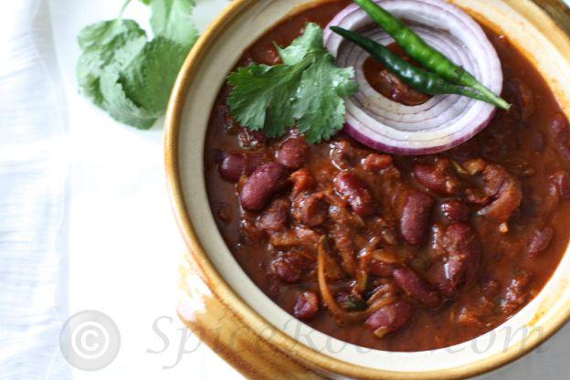 Kashmiri Razma Gogji (Red Kidney Beans with Turnip)
