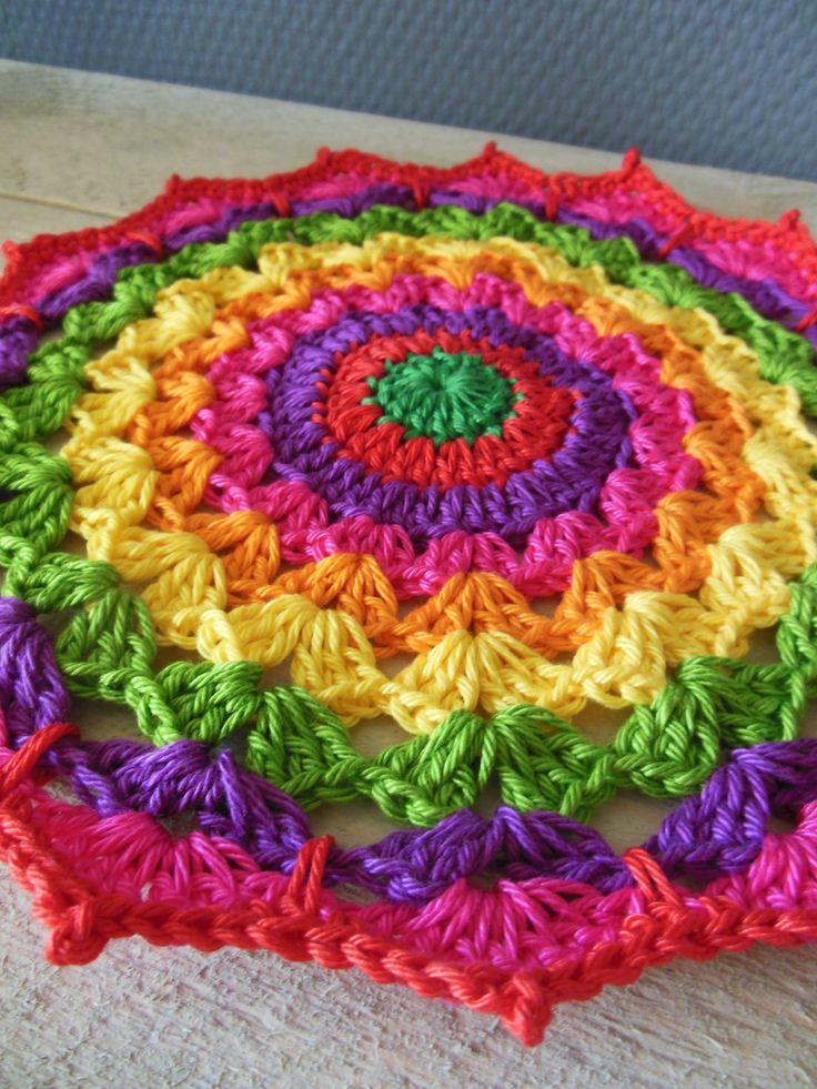 Crochet mandala   COLOR