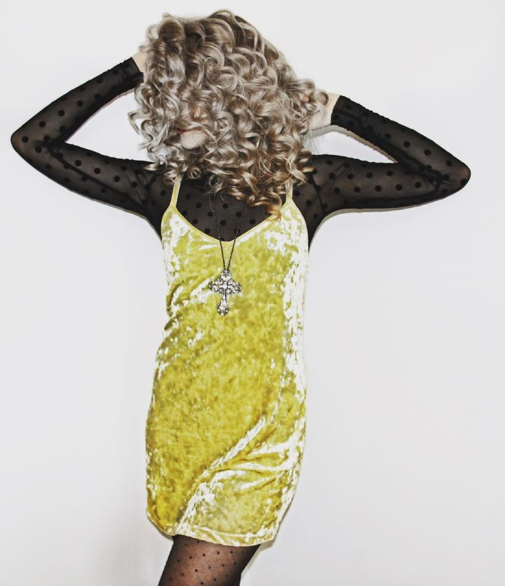Curly hair & jelly dress ! #happiness #fashion #dress #yellow #blonde #grey #cross #necklace  #shopmynecklace