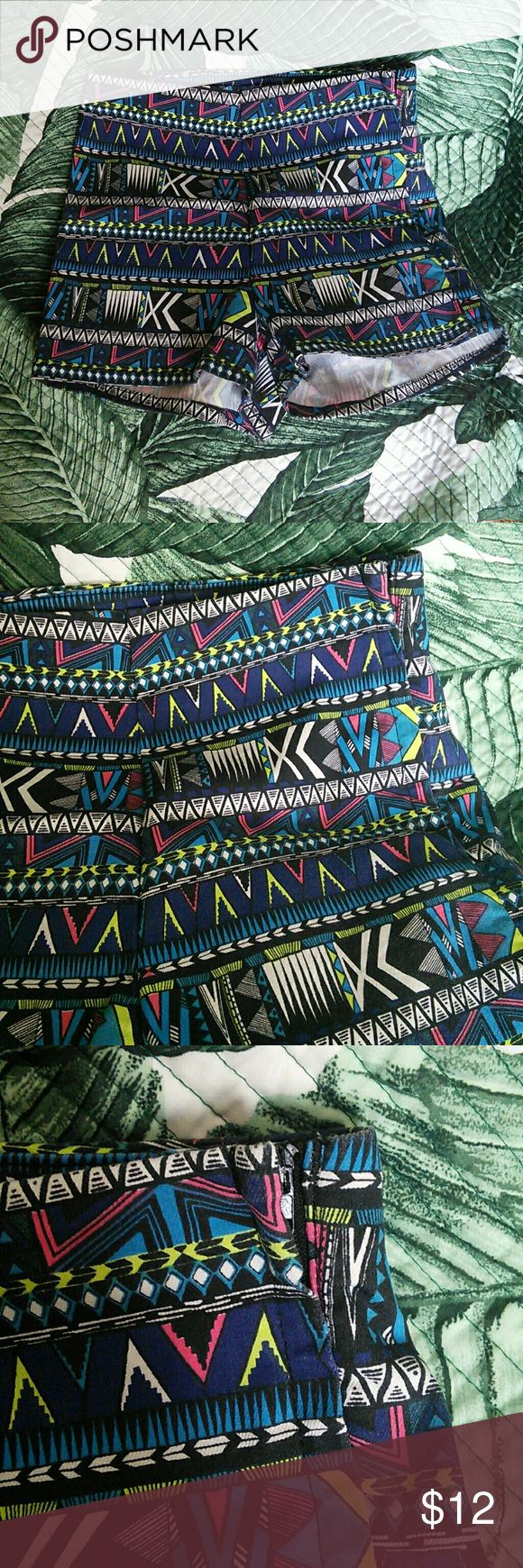 H&M High Waisted Aztec Print Shorts In excellent used condition  Size 6 (small)  Has a side zipper   *NO TRADES!!* H&M Shorts