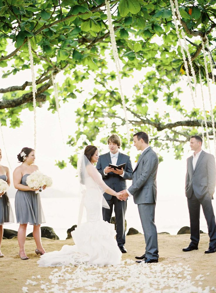The aisle will be a natural setting in the garden with fresh roase petals