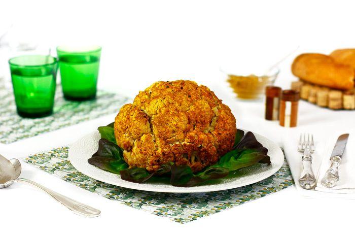 Cómo hacer coliflor asada la curry en crock pot o slow cooker. Receta paso a paso. Descubre esta y otras recetas de verduras cocinadas en olla lenta.