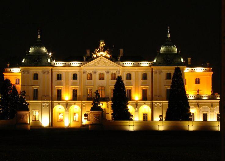 Branicki palace at night (Poland) by Wodzionka81