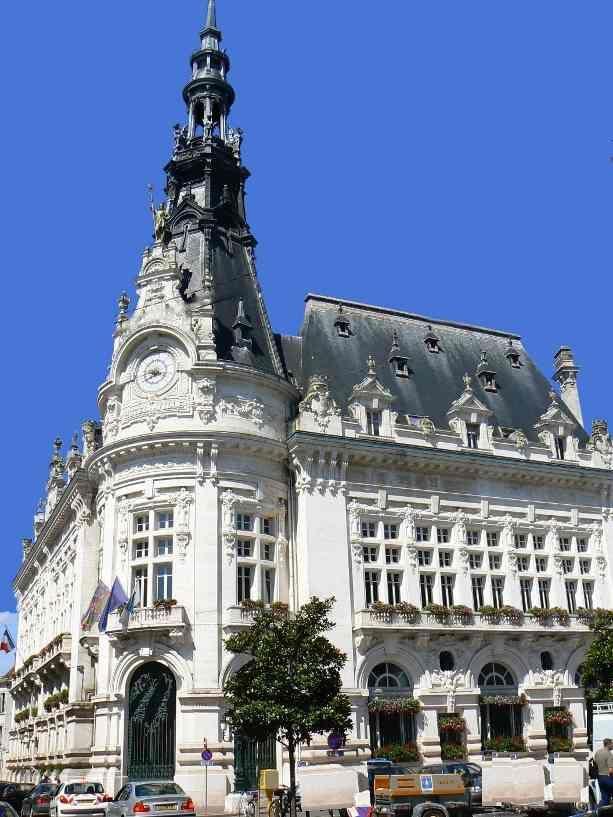 L'Hotel de Ville de Sens - Région de Sens - Yonne